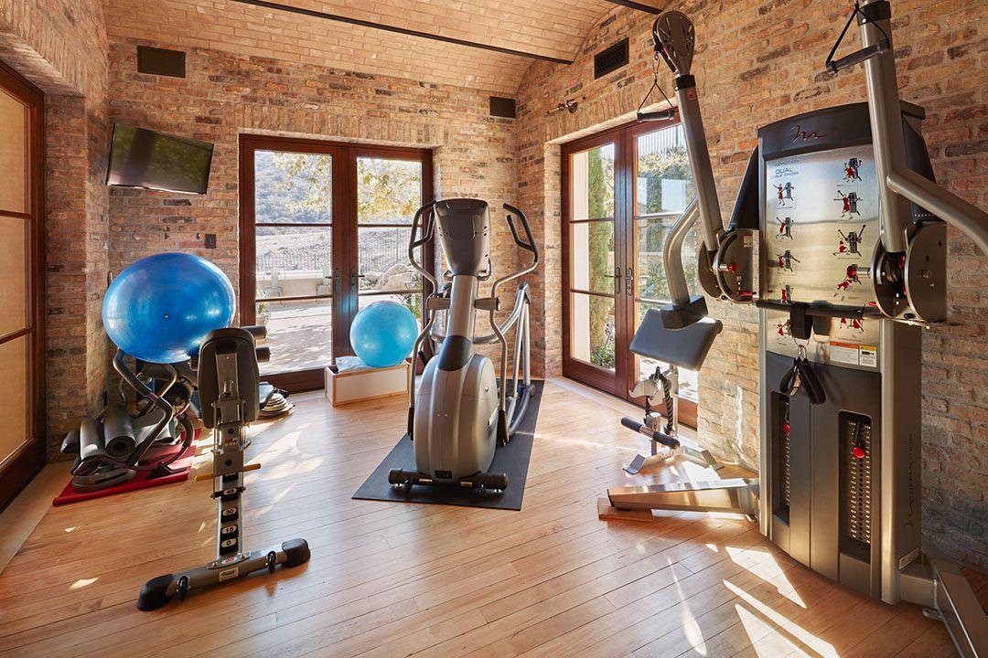 Reclaimed wood floors in home gym. reclaimedwood