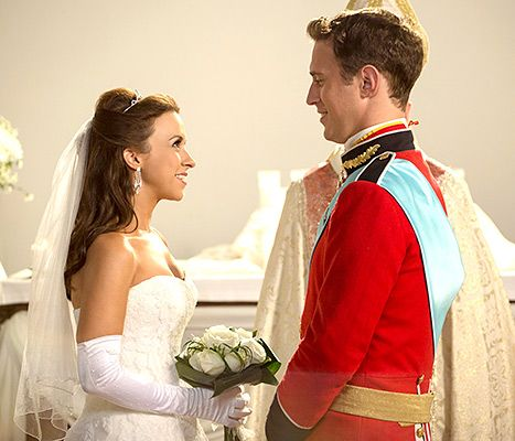 Look Familiar Lacey Chabert Wore Her Own Wedding Dress For New Movie Wedding Movies Hallmark Christmas Movies Royal Christmas