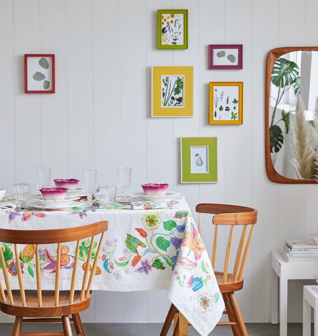 Room Cute brightly colored simple framed wall