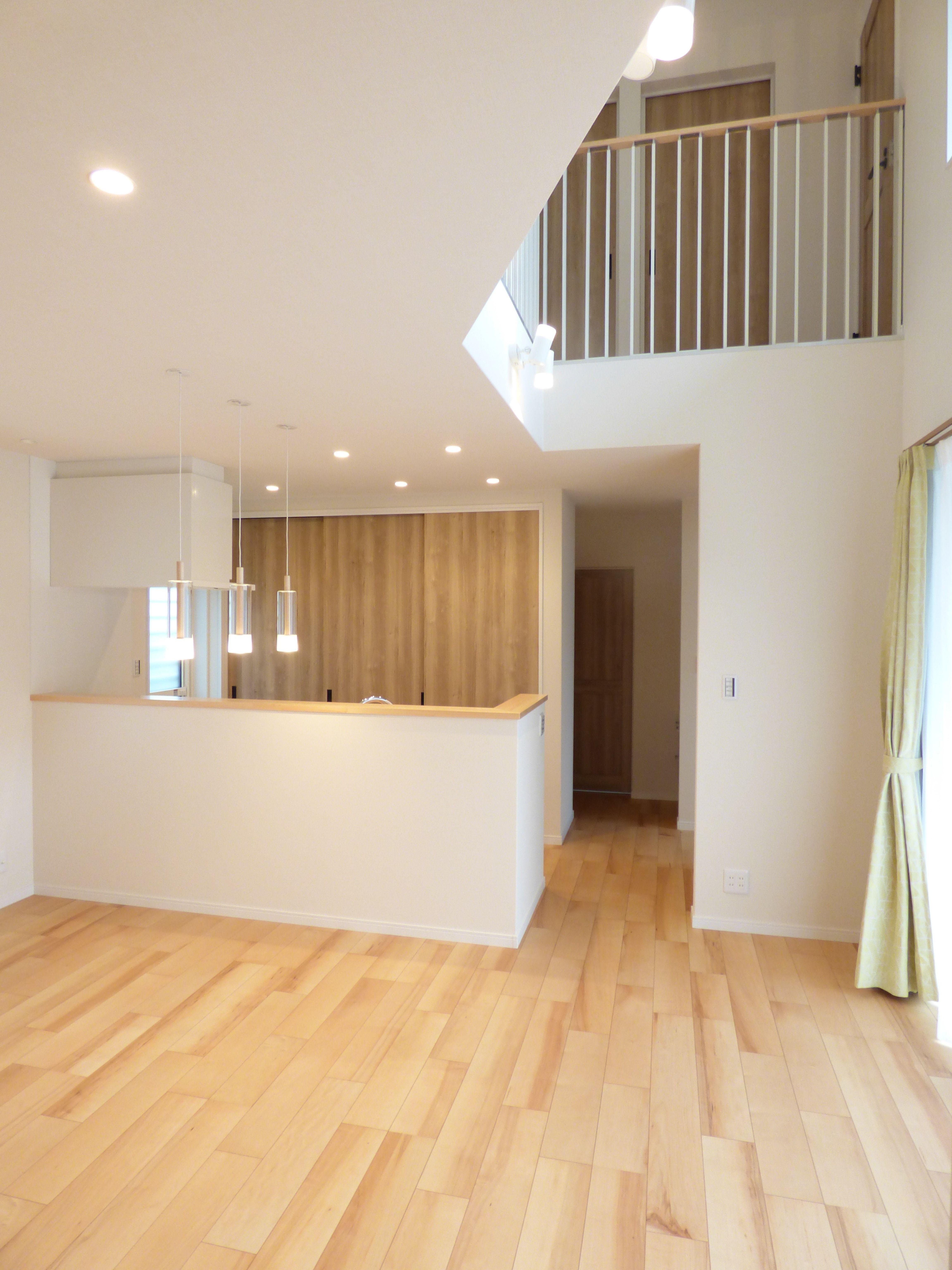 木のぬくもりと空気が心地良い36坪の2階建て 2階 一戸建て デザイン