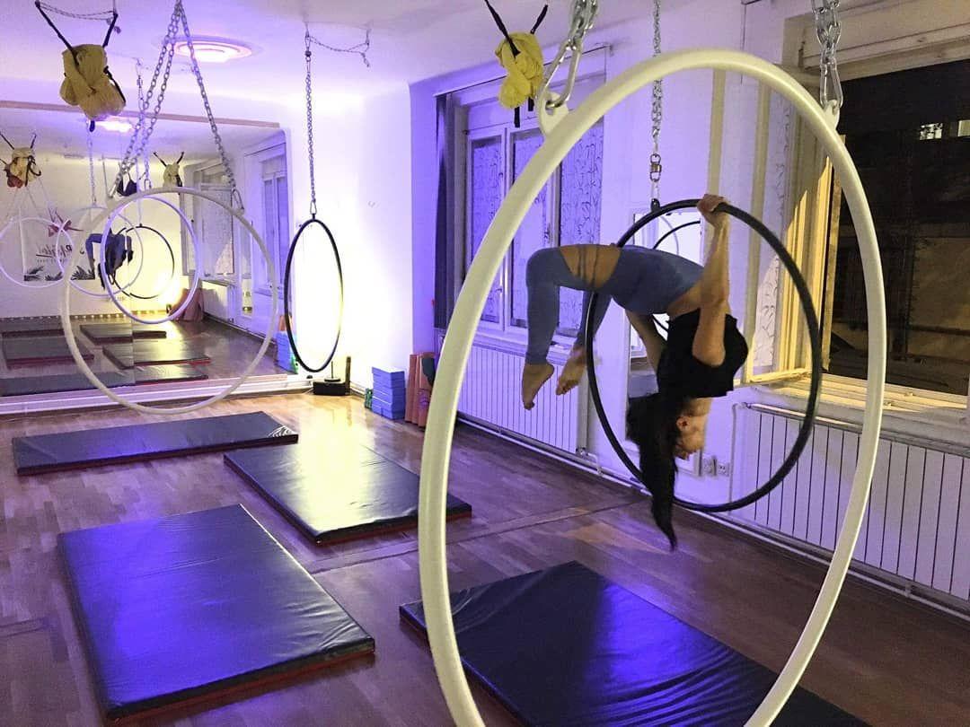 Upside down playground 🙃 @aerial_yoga_belgrade Welcome to my classes 😊  #aerialhoop #aerialist #lyra...