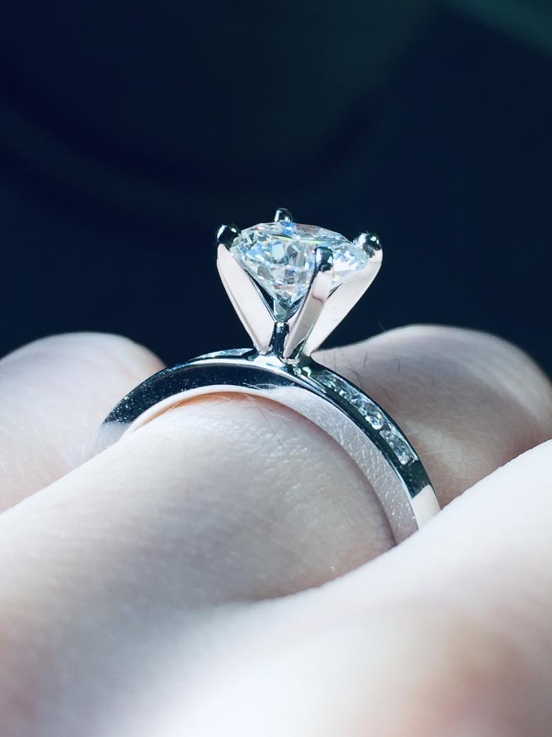 1.05 Carat center Diamond modern engagement ring (matching