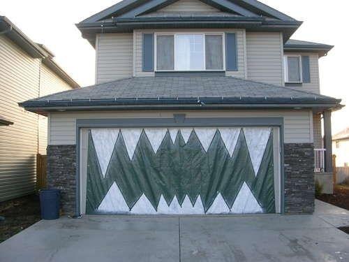 Turn your garage into a monster\u0027s face Pinterest Halloween - halloween garage ideas