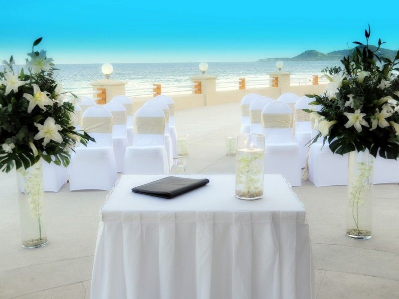 beautiful backdrop for a beach wedding barcel grand faro los cabos los cabos destination. Black Bedroom Furniture Sets. Home Design Ideas
