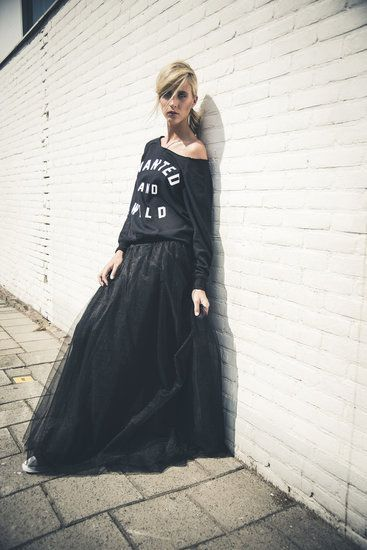 ☆ http://www.raine.nl/SMOOTH-LONG-TULLE-SKIRT-;-THE-TOP!