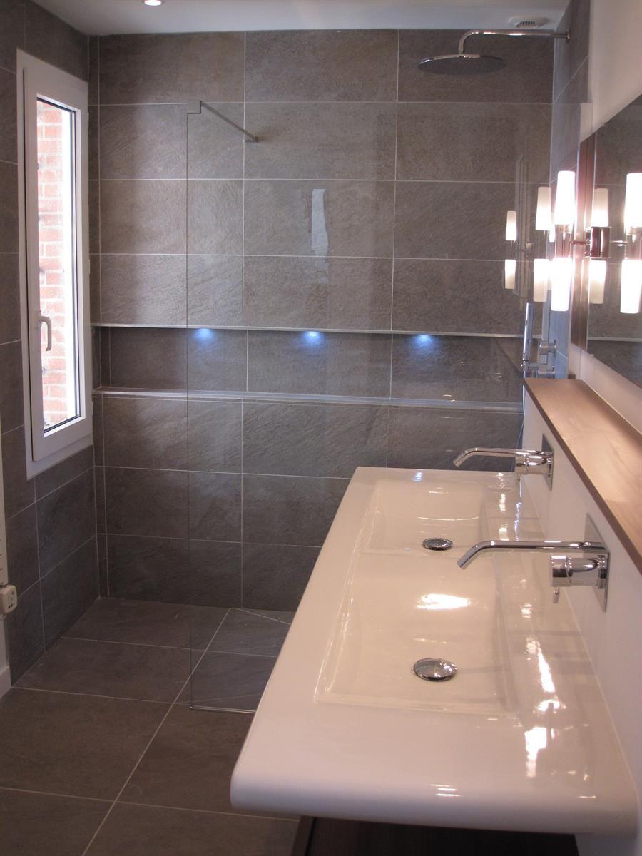 Douche italienne et niche avec incrustation de leds dans Salles de ...