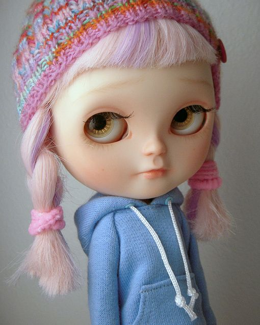 icy doll custom blythe clone  http://www.flickr.com/photos/vanhatupa/5263589071