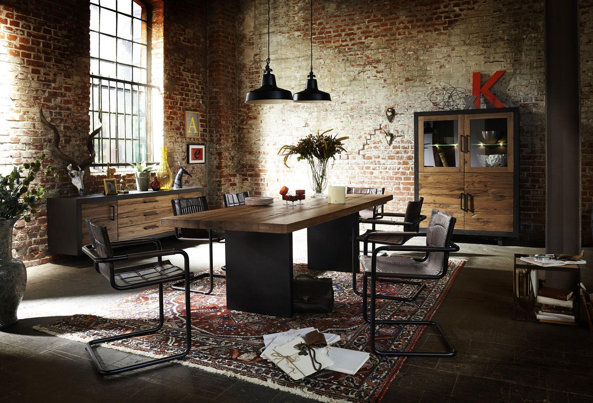 Eine Esszimmer Einrichtung Im Loft Design, Pr Sentiert Von Unsere Tango Serie )