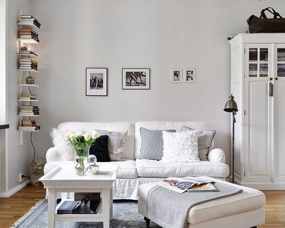 All White Small Living Room Idea Small Living Rooms White