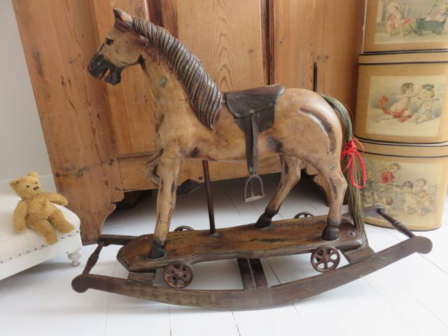 v ritable cheval bascule en bois jouets anciens cheval bascule en bois cheval bascule. Black Bedroom Furniture Sets. Home Design Ideas