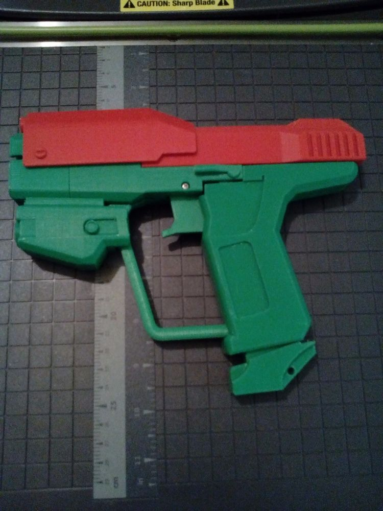 3D printed Halo Reach style pistol M6 prop movie toys cosplay