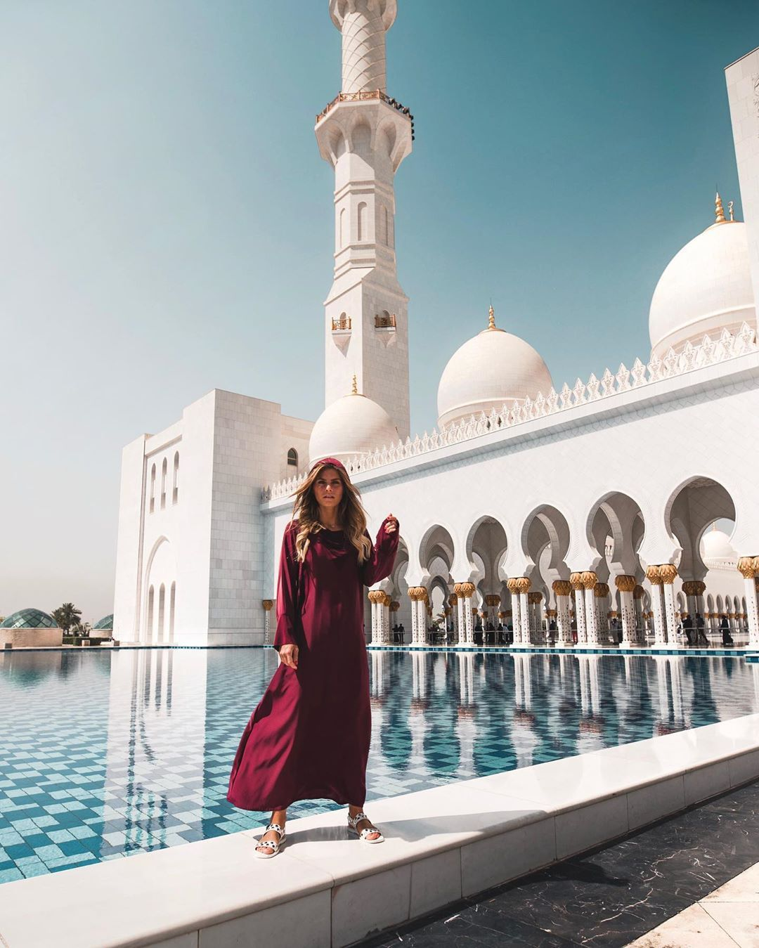 Anzeige When In Abu Dhabi Make Sure To Visit This Beautiful