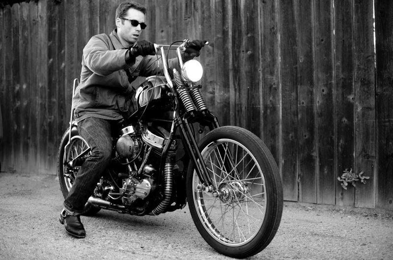 Ils ont posé avec une Harley - Page 46