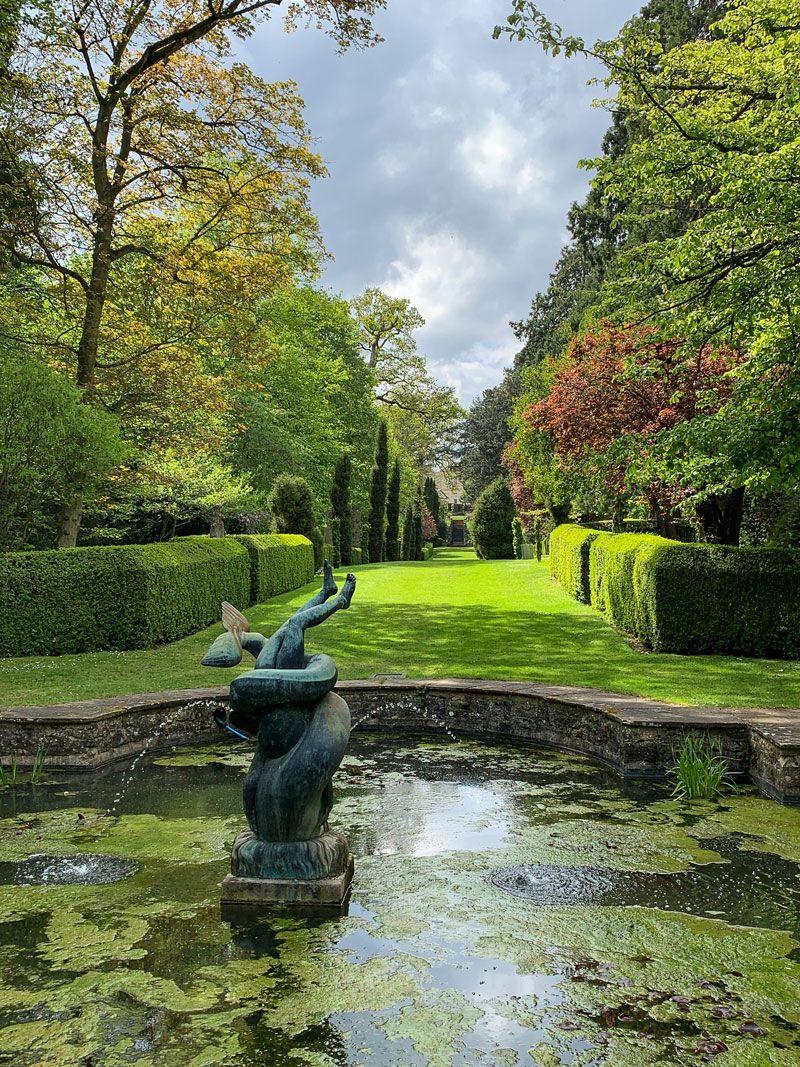 English Hedges In 2020 Landscape Features Water Garden English Garden Design