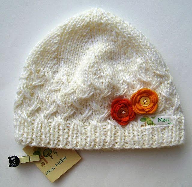 Miau Atelier  Workshop  Touca em tricô para bebê  5e19756021f