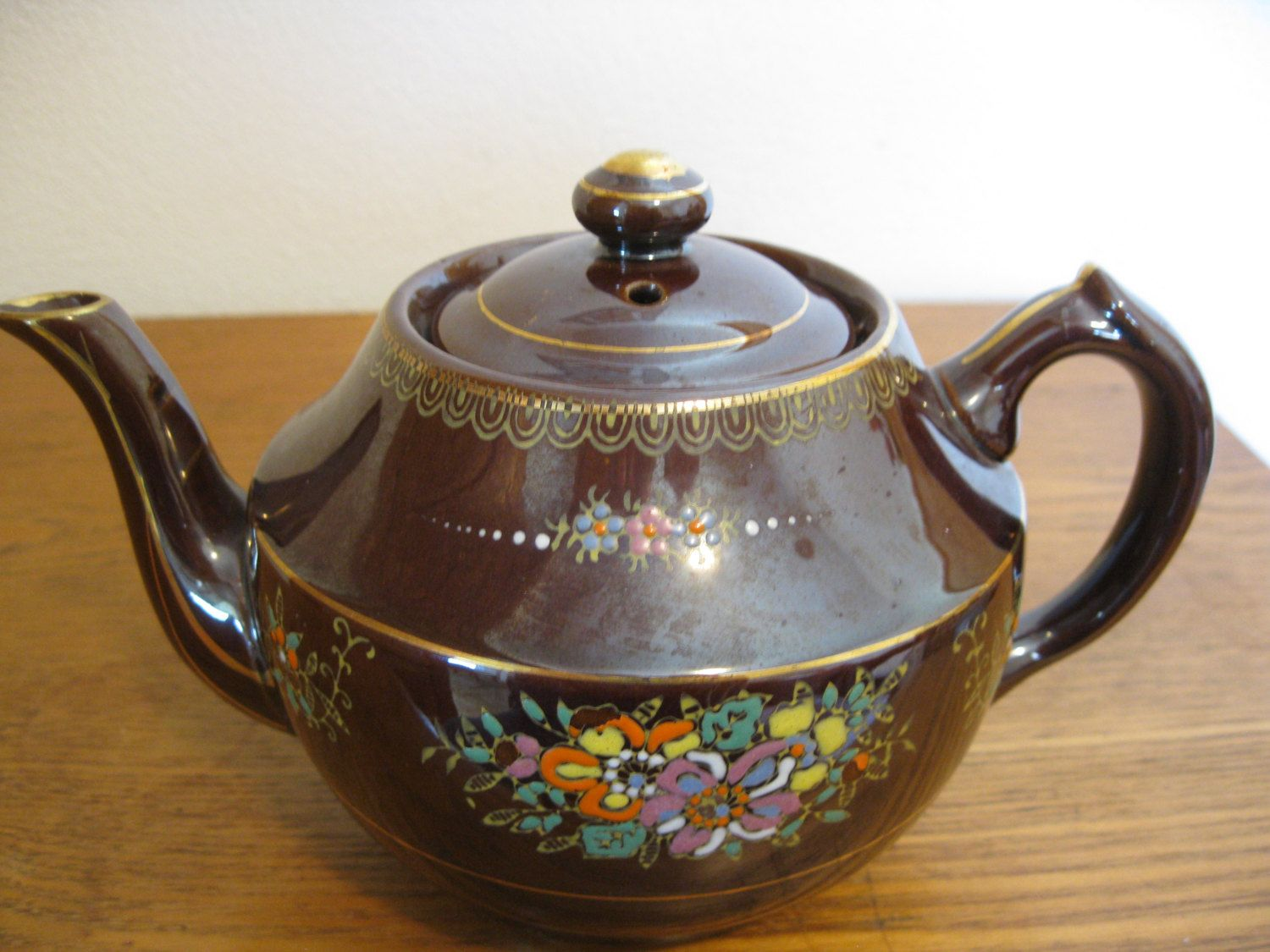 Beautiful Teapot Vintage Occupied Japan Moriage Painting Redware Brown