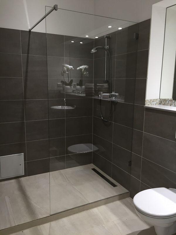 Glasdusche hannover in wei schwarz elegant duschen aus for Badezimmer design hannover