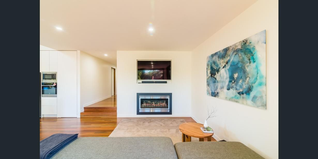 18 First Avenue, Cockatoo, Vic 3781 - Property Details