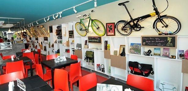 Estacionamento de bike em SP oferece banho e chapinha por R$ 17 - noticias - UOL Economia