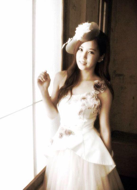 Park Chorong Apink Wedding Dress Shoot Throwback