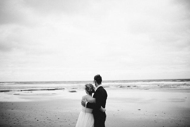 Mit diesen Bildern verabschiede ich mich bis nächste Woche bei Euch und aus der Onlinewelt! Es geht nach Portugal - eine weitere Hochzeit am Meer steht in den Startlöchern und ich freue mich riesig dabei zu sein! #hochzeitsfotografie #weddingseason #sea #hippiewedding #bohowedding #meer #ammeer #meersein #afterwedding #braut #brautkleidammeer #weddingdress #verliebt #love #lovewins #australien #australia #bellsbeach by manuela.clemens http://ift.tt/1KnoFsa