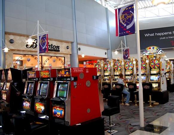 Does Las Vegas Airport Have Slot Machines