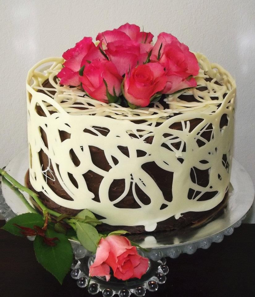 White Chocolate Lace cake with Fresh Roses