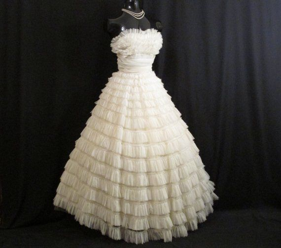 Vintage 1950's 50s Bombshell STRAPLESS Ivory Tiered