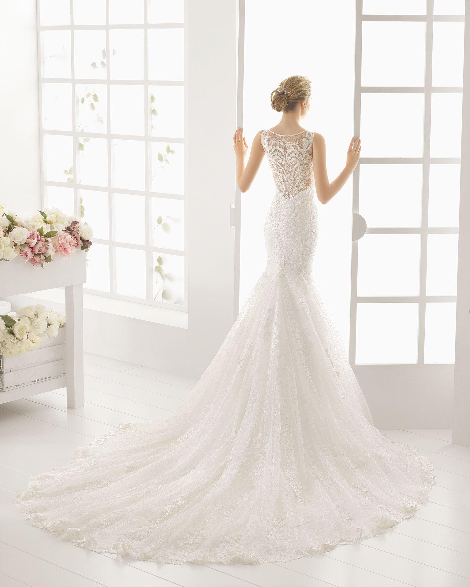 MARTINA traje de novia en encaje y pedreria. | Betty | Pinterest ...