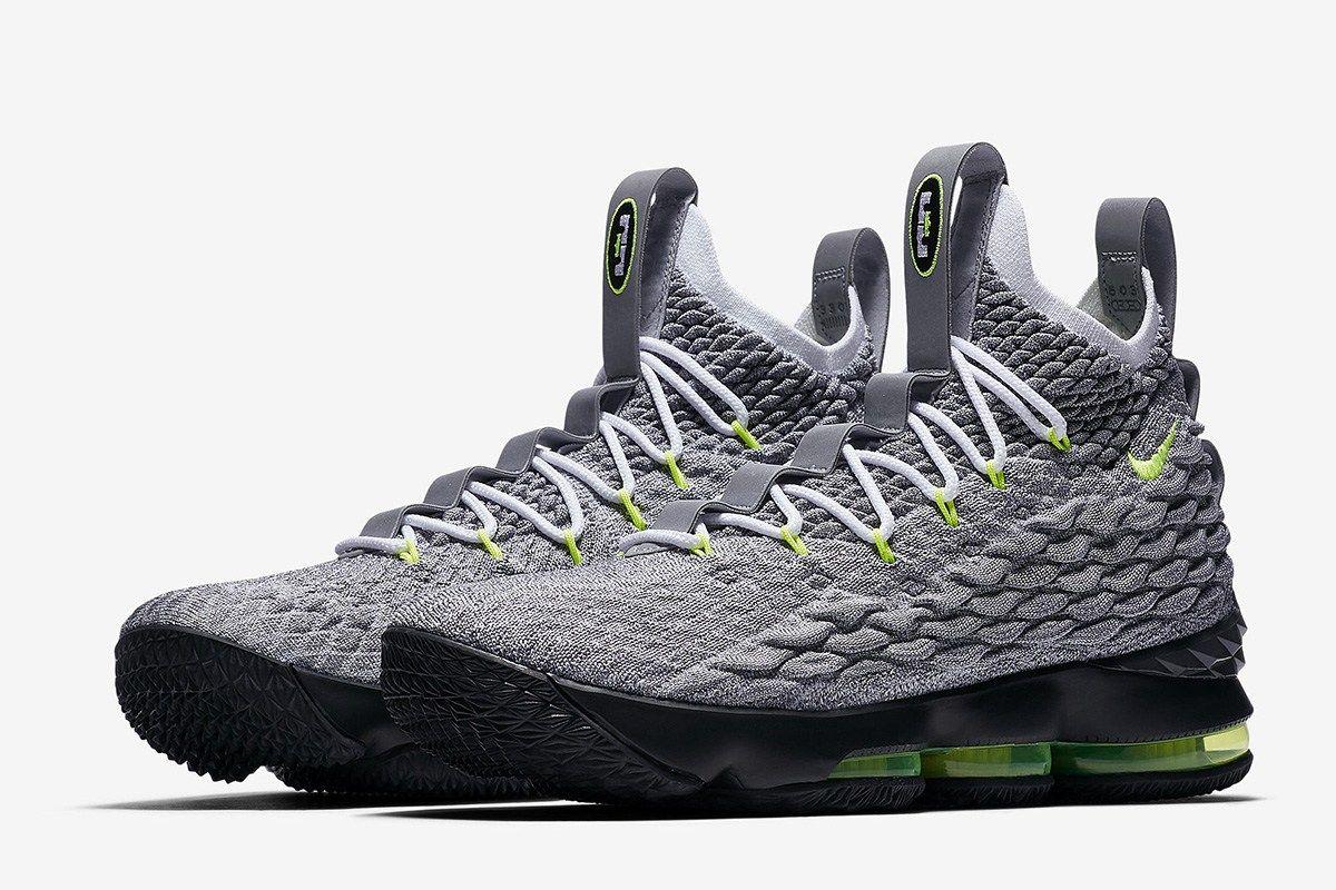 f057a9ac2ca0 Nike Lebron 15