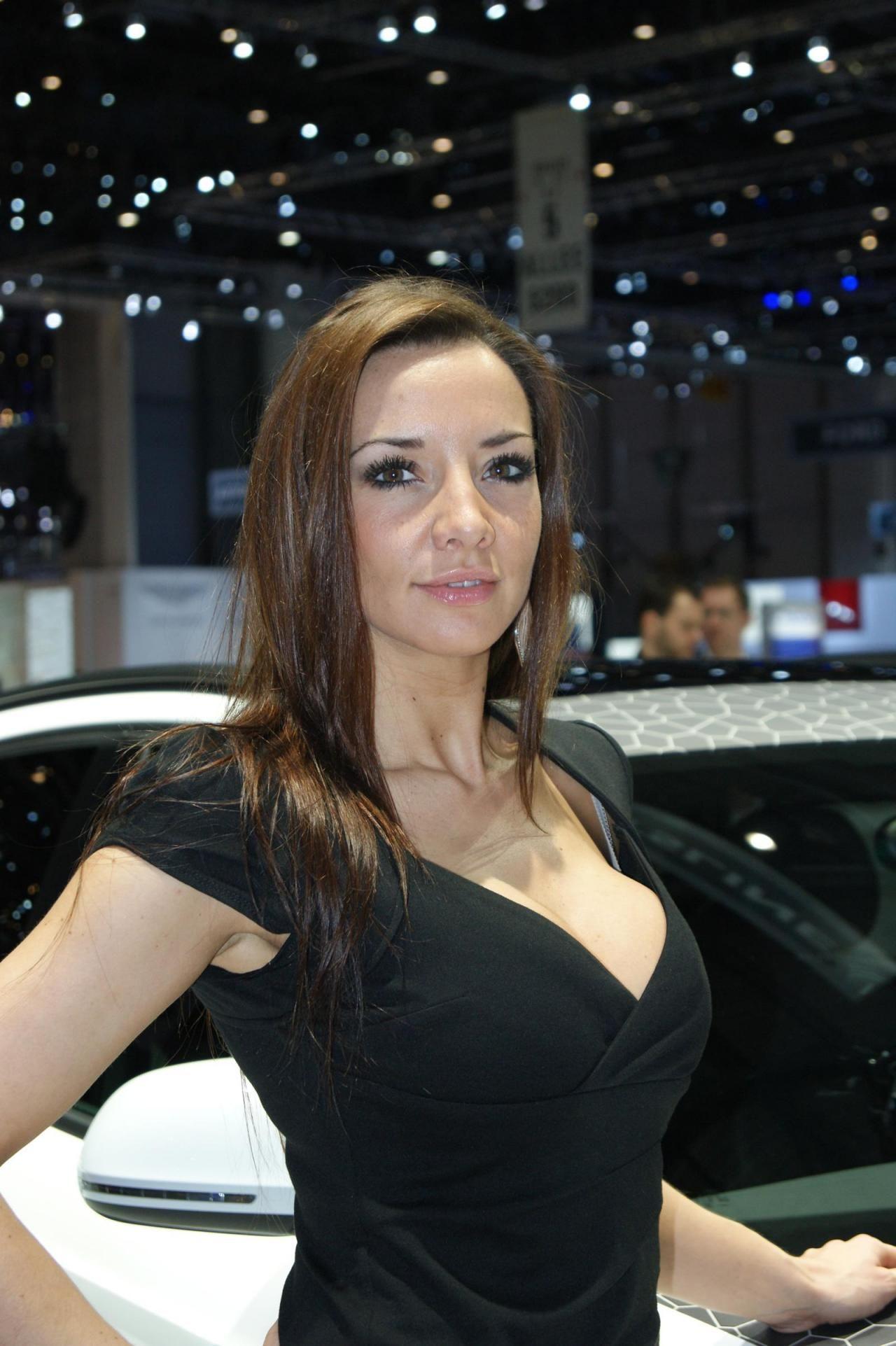 Girls of the motor show girls of the motor show pinterest
