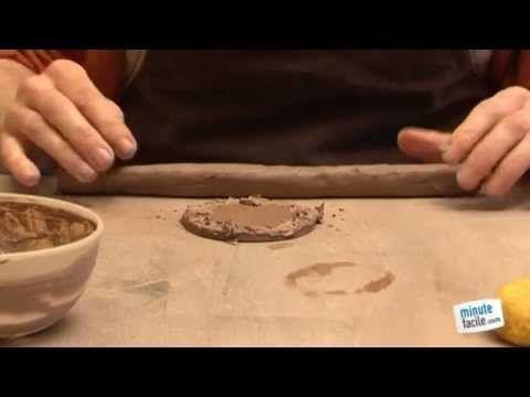 Comment fabriquer une poterie au colombin youtube - Fabriquer un tour de potier ...