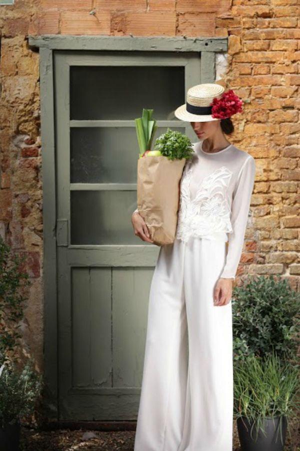 Vestido de novia de Marta Martí Atelier ·#vestidosdenovia #weddingdress #tendenciasdebodas