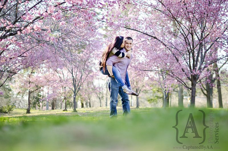 Photographers In Love Cherry Edition Prewedding Photography Cute Engagement Photos Cherry Blossom