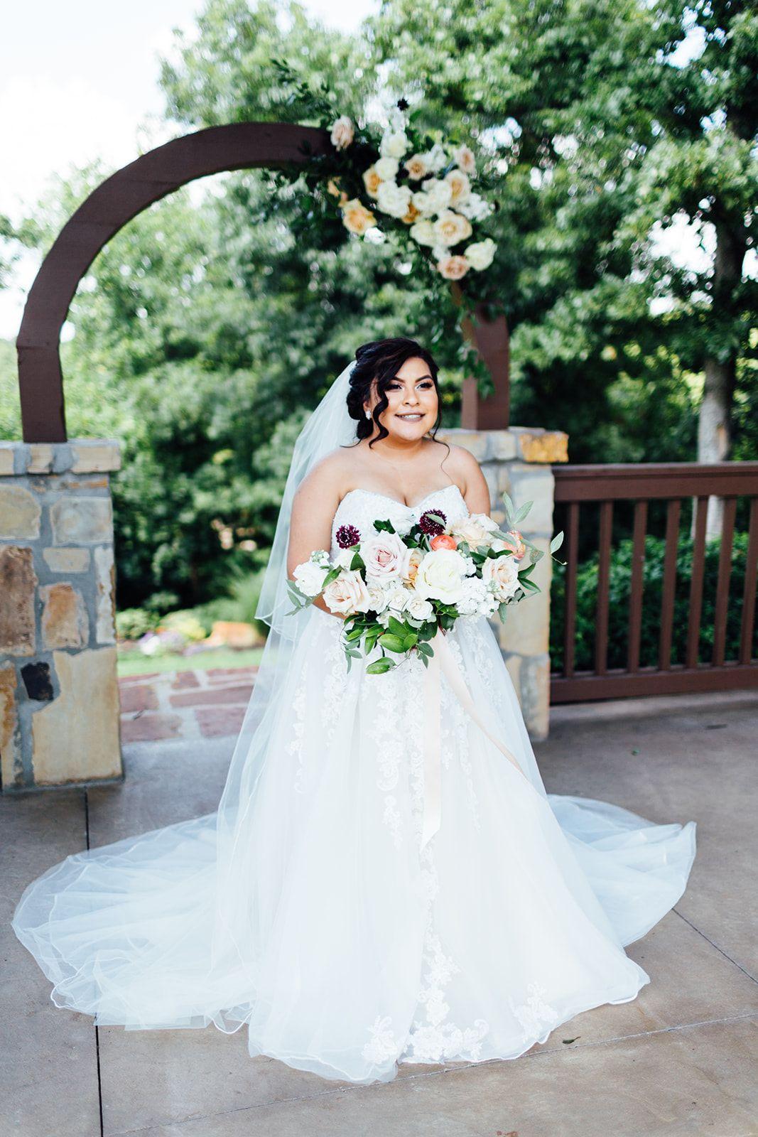 Outdoor summer wedding dresses  sleeveless wedding dress  summer wedding dress  tulle wedding gown