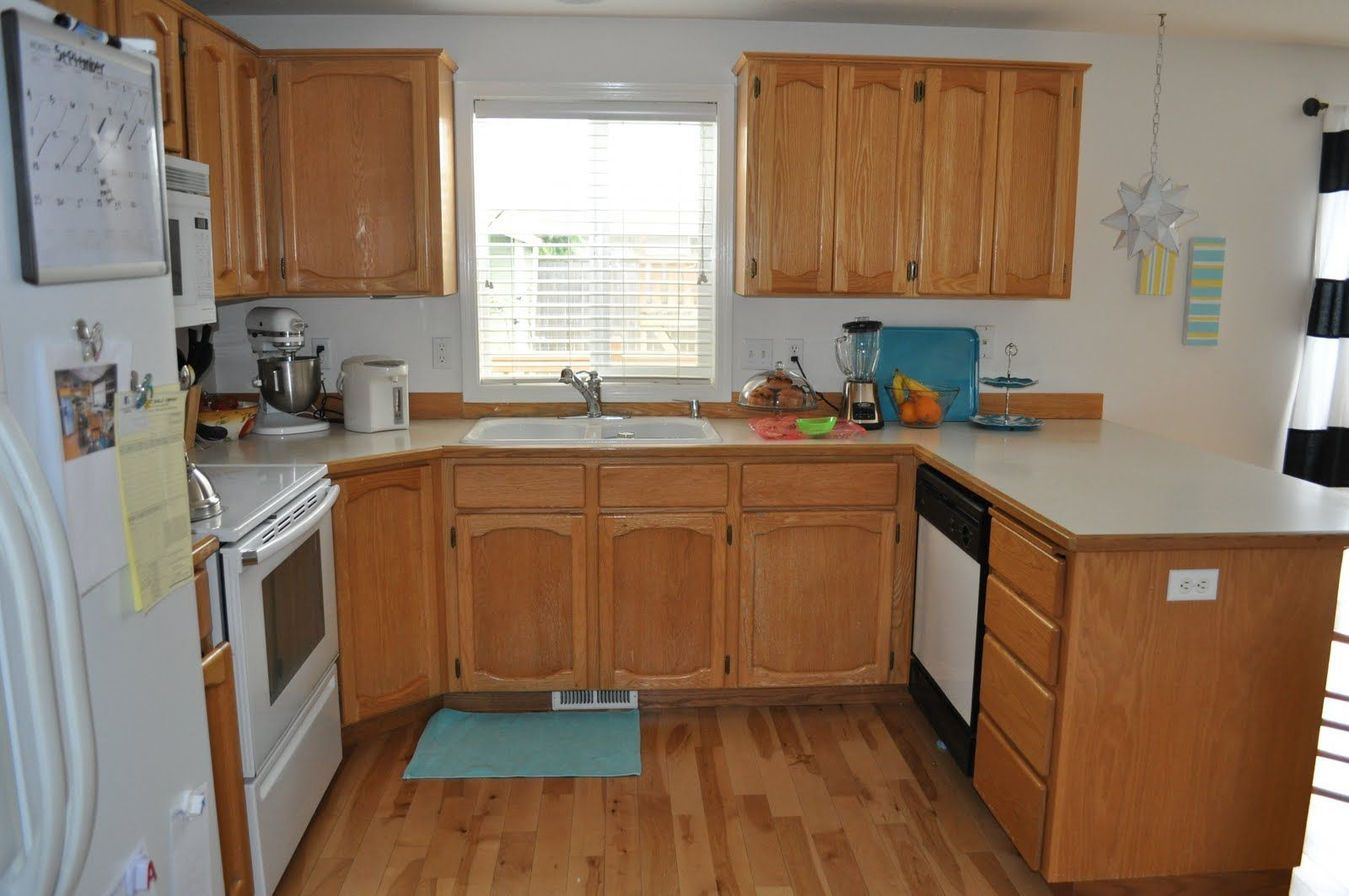 The u shaped kitchen designs up there is used allow the ...