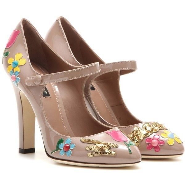 Dolce & Gabbana Embellished Patent Leather Mary Jane Pumps (3.480 BRL) ❤ liked on Polyvore featuring shoes, pumps, neutrals, patent mary jane, mary-janes, embellished pumps, nude patent leather pumps and patent leather shoes