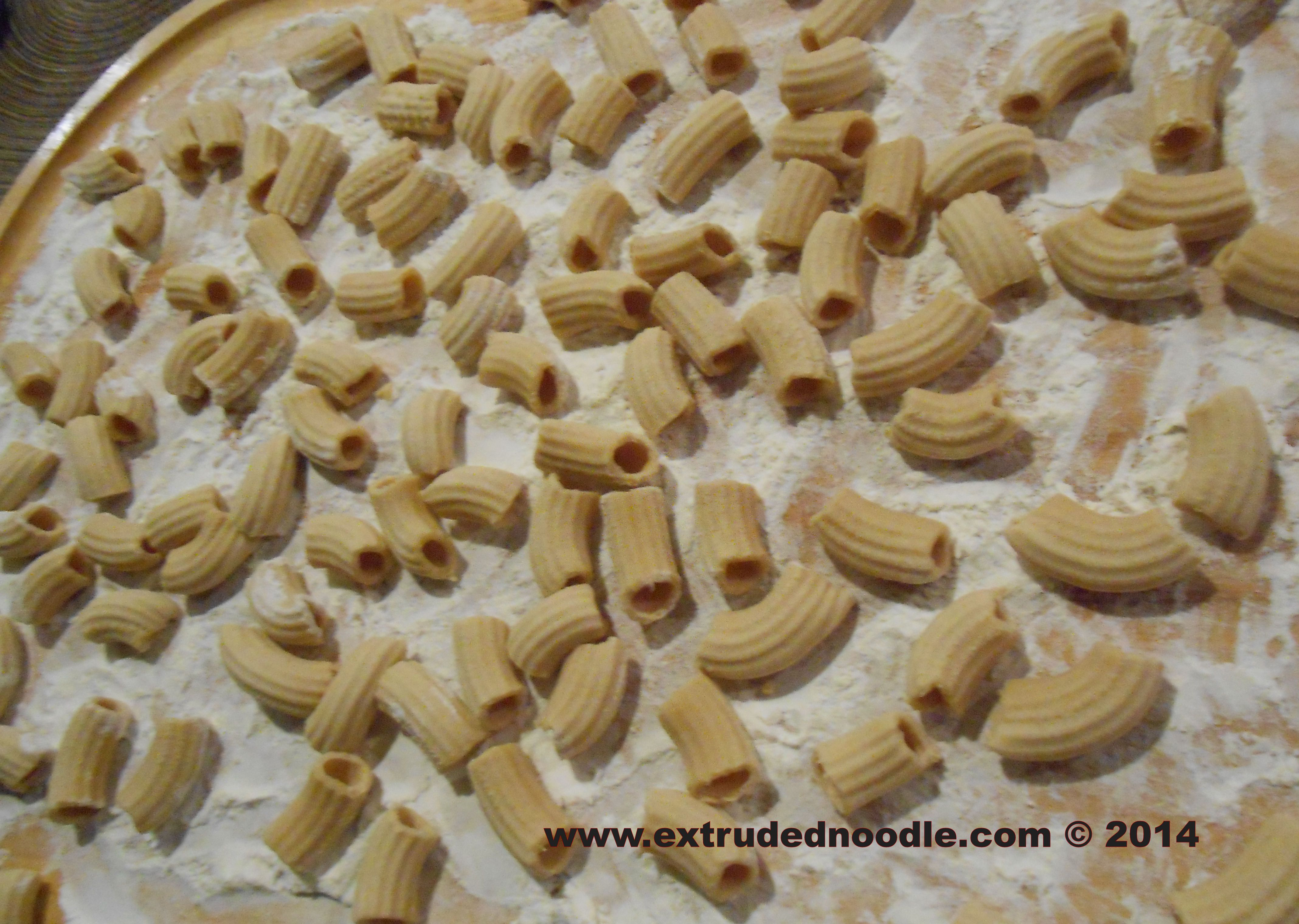 kitchenaid gourmet pasta press attachment (bucatini rigatoni spaghetti fusilli