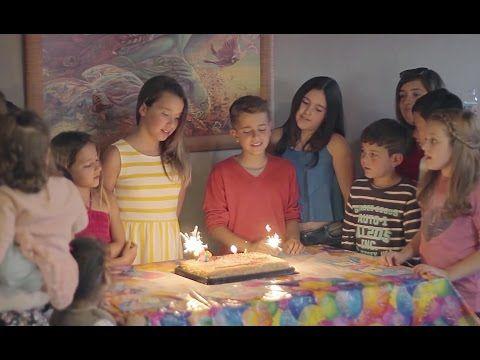 Ver videos de adexe y nau cumpleanos feliz