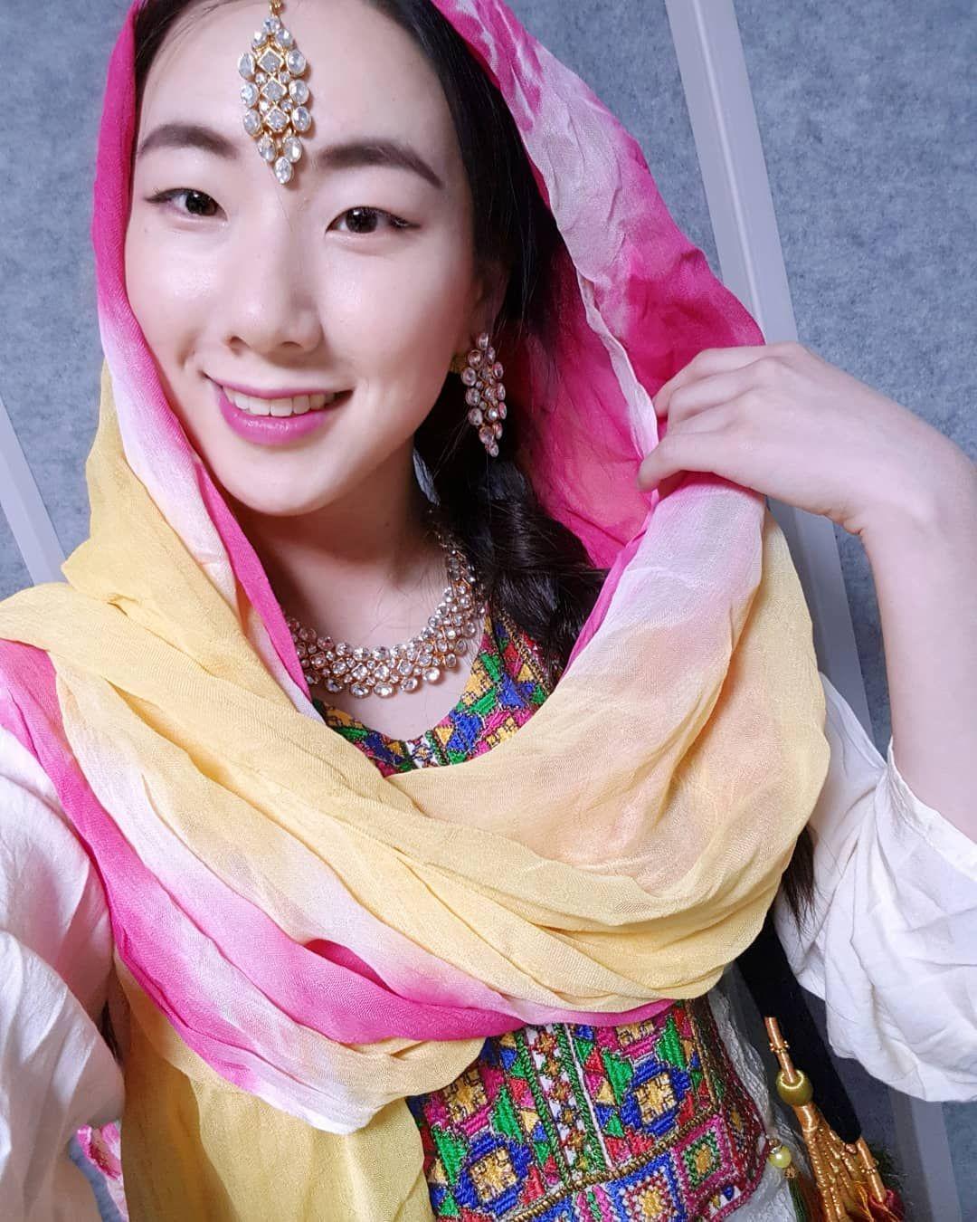 Yerin in Pakistani Clothes | Korean Girls Love Pakistan