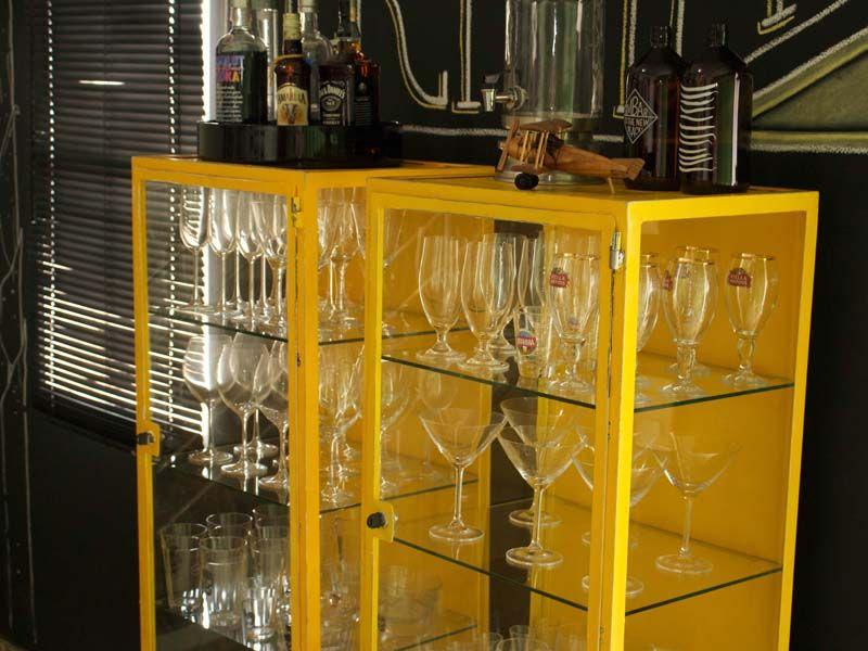 Armrios de farmcia na decorao arquitetura garage bar and house diy do it yourself faa voc mesmo com a base pronta solutioingenieria Image collections