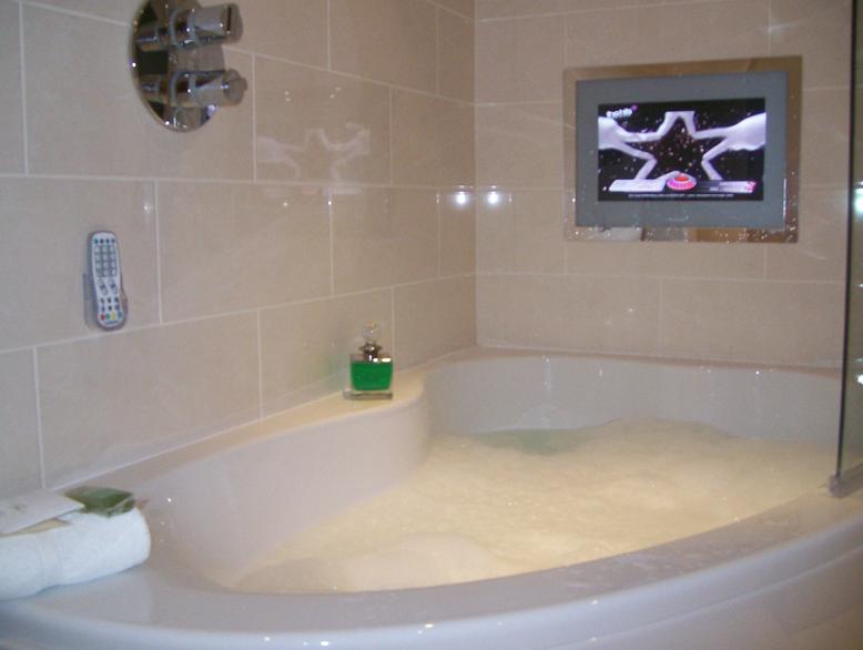 Televisie in badkamer | badkamer | Pinterest