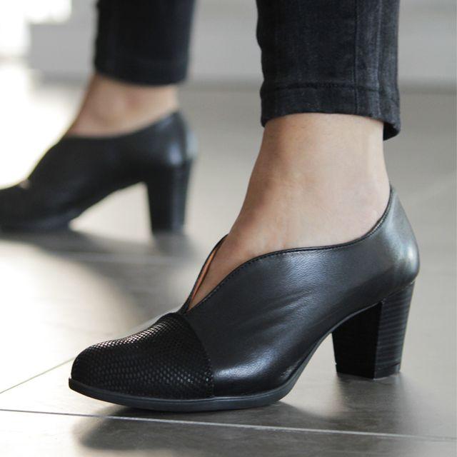 9d08e3289d Zapatos para mujer en color negro. Características -