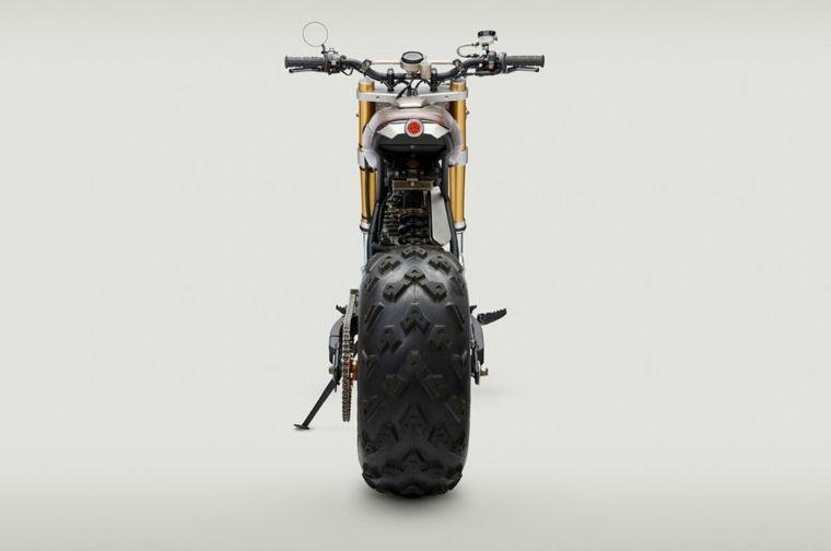 déco et personnalisations de moto Honda