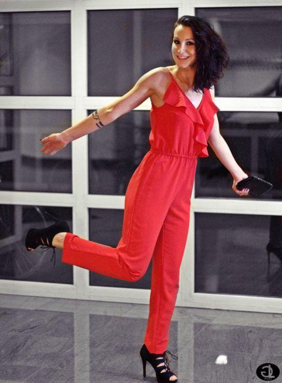 die besten 25 rote sandaletten ideen auf pinterest silberne sandalen silberne sandaletten. Black Bedroom Furniture Sets. Home Design Ideas