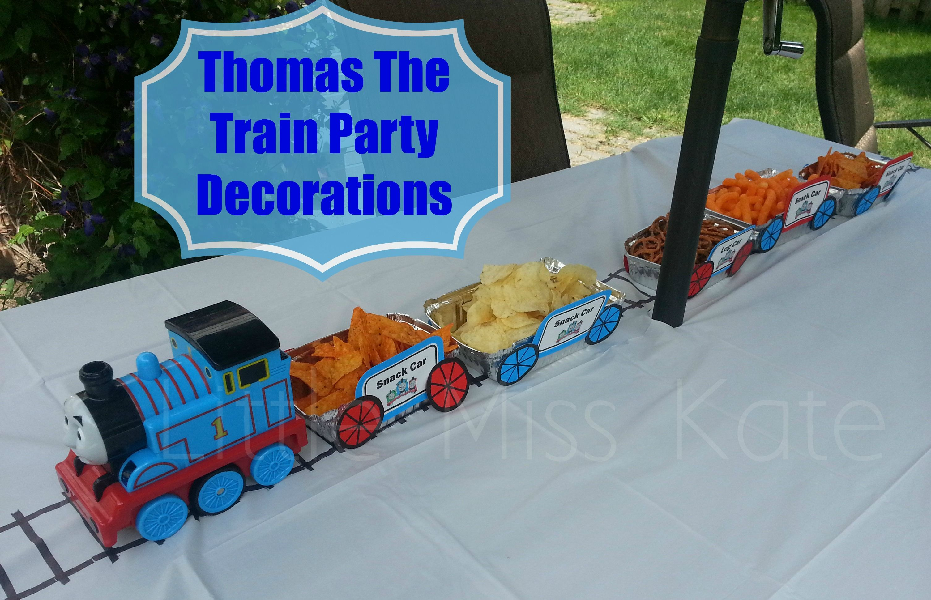 thomas the train party decorations birthday party table decorations birthday party tables and. Black Bedroom Furniture Sets. Home Design Ideas