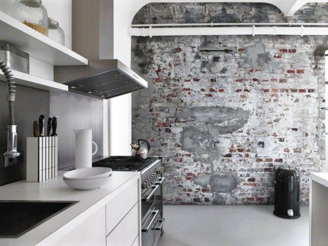 Cuisine osez le papier peint cuisines industrielles for Papier peint imitation carrelage cuisine