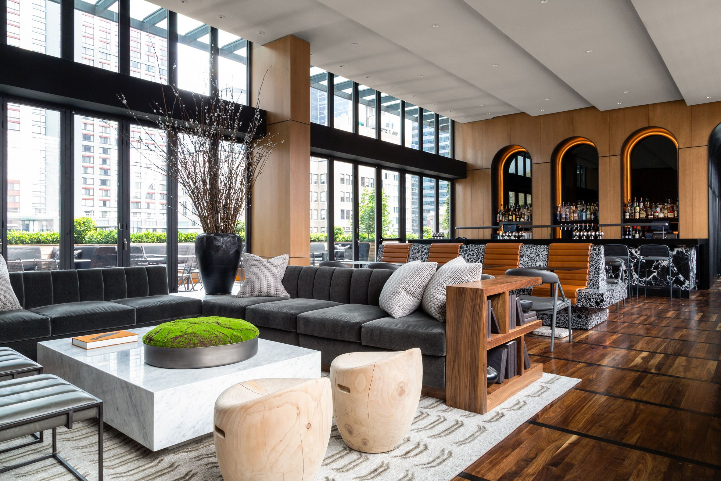 Castell Rooftop Bar By Bhdm Offers Cosy Setting With Manhattan Views Rooftop Lounge Interior Design Austin Interior Design