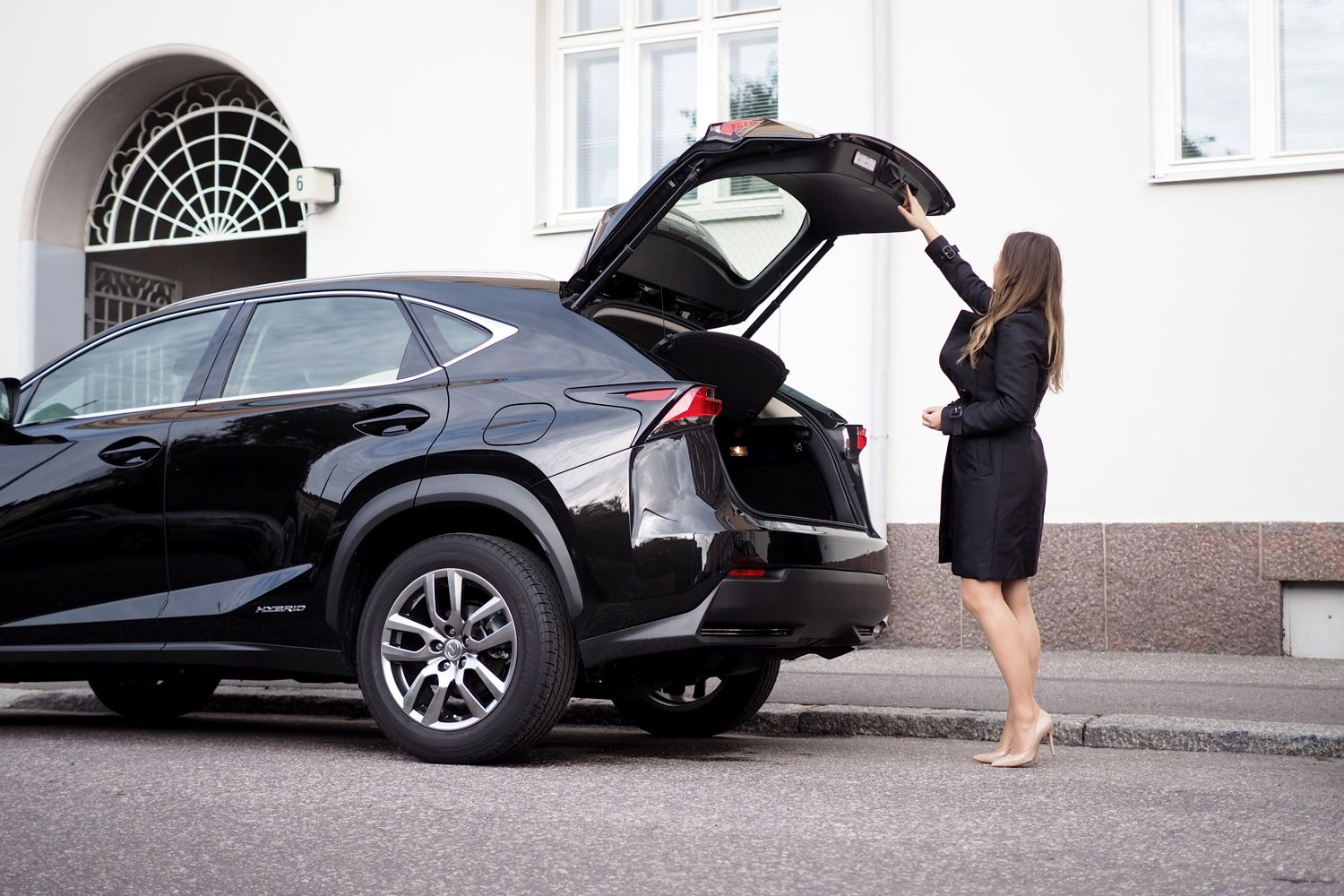 Char and the city - A day with me and the stylish black Lexus NX300h car - read…