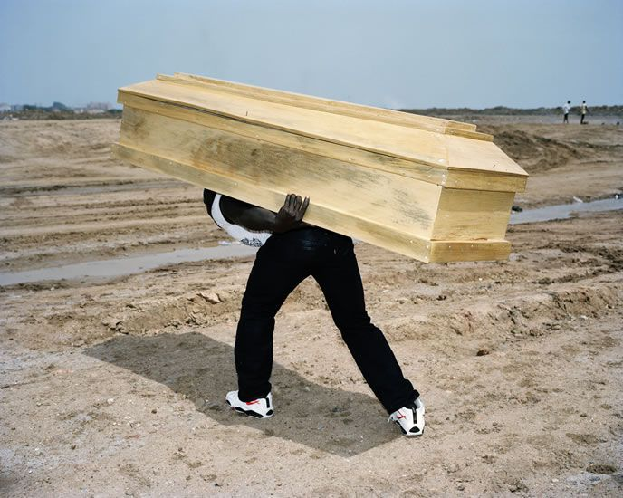 Coffin Viviane Sassen